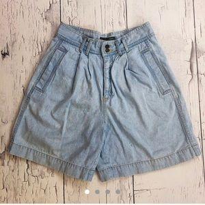 Vintage Liz wear denim shorts size 10